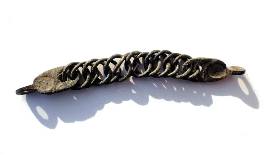 Roman Bronze chain, 80 x 9 x 5 mm. Exceptional craftsmanship. Intact.